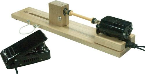 "Рис.4.4. Электрифицированное устройство для намотки нити на коклюшку (фирма ""Leclerc Looms"", Канада, website: woolery.com)"